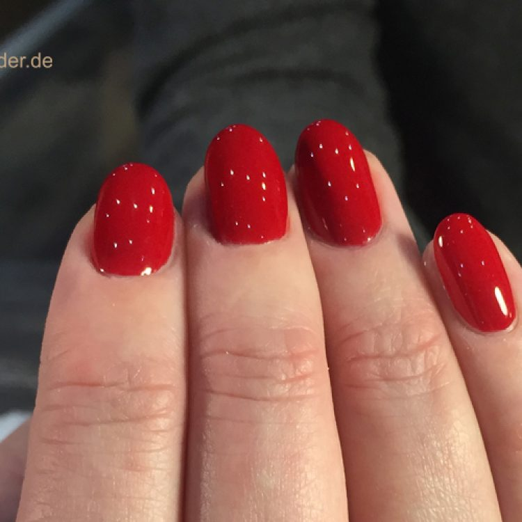 red_nails_cologne